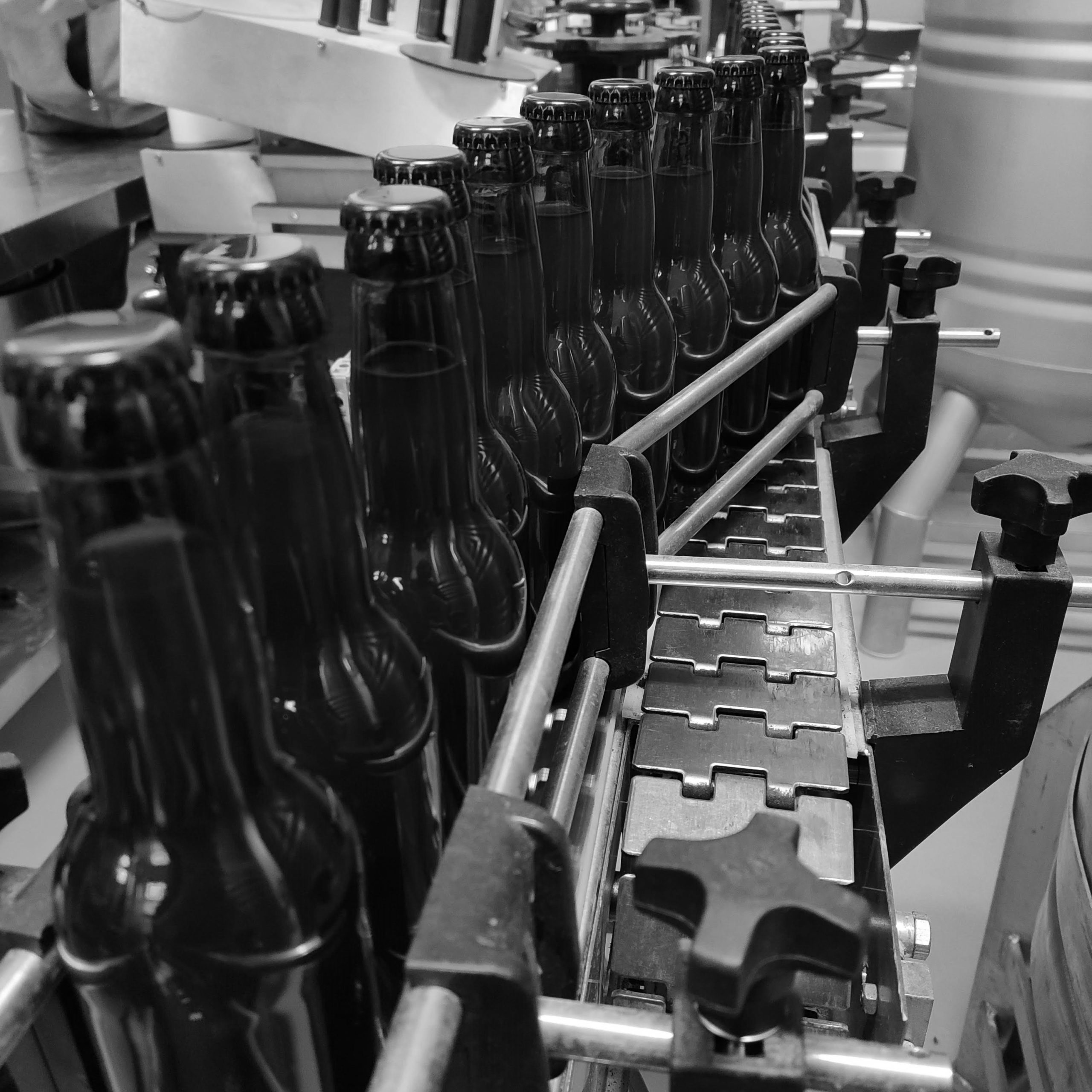 https://blackwellbrewery.ch/wp-content/uploads/2020/05/post_bottling-scaled.jpg